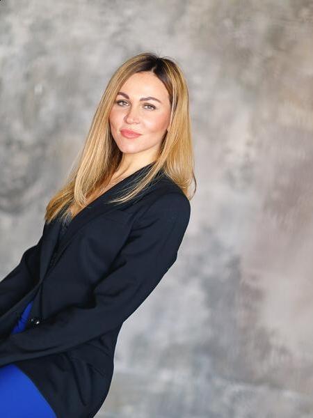 Svetlana / Réf. 673 / Adhérente Agence Amélie