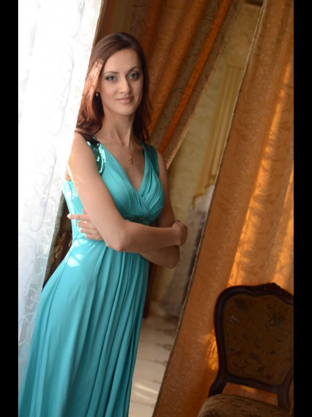 Elena (Paris) / Réf. 91559 / Adhérente Agence Amélie