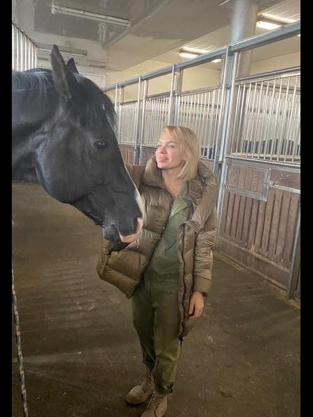 Lucienna / Réf. 91633 / Adhérente Agence Amélie