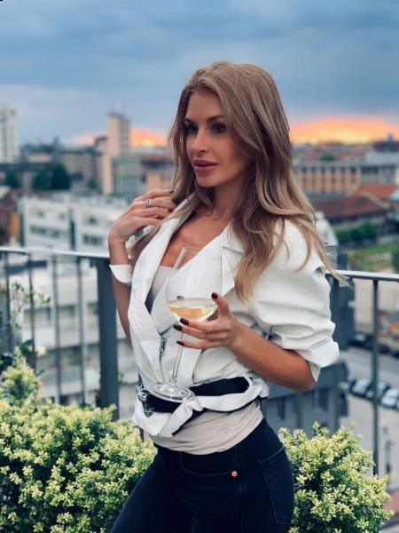 Svetlana (Milan) / Réf. 91682 / Adhérente Agence Amélie