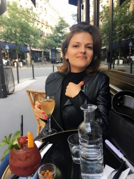Arina (Paris) / Réf. 91853 / Adhérente Agence Amélie