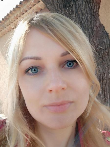 Olga (Toulon) / Réf. 91883 / Adhérente Agence Amélie
