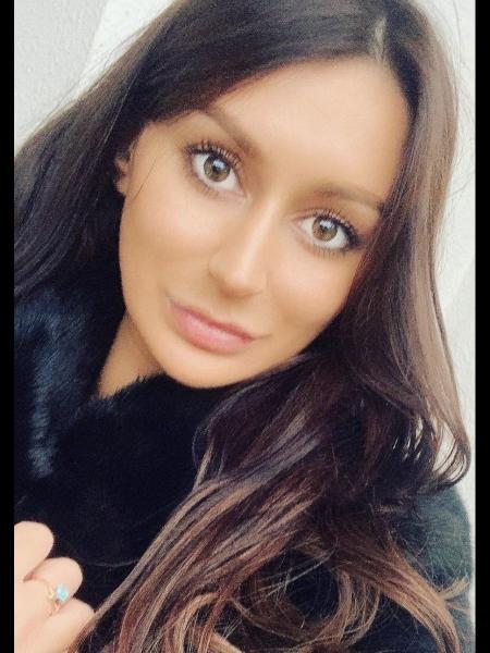 Olga / Réf. 3977 / Adhérente Agence Amélie