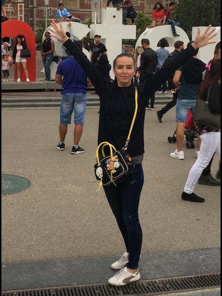Yulianna (Milan) / Réf. 91980 / Adhérente Agence Amélie