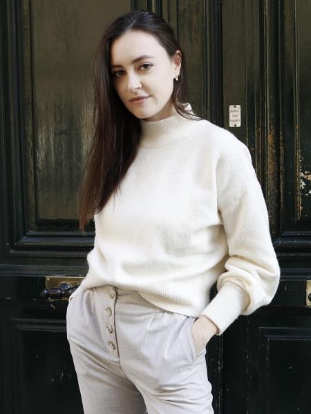 Veronika (Paris) / Réf. 92049 / Adhérente Agence Amélie
