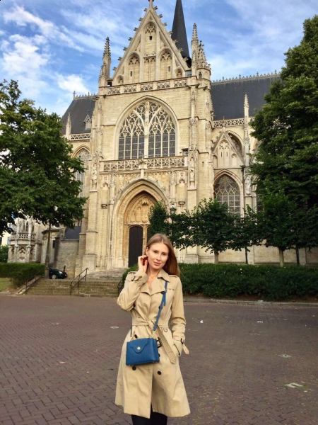 Irina (Paris) / Réf. 92063 / Adhérente Agence Amélie