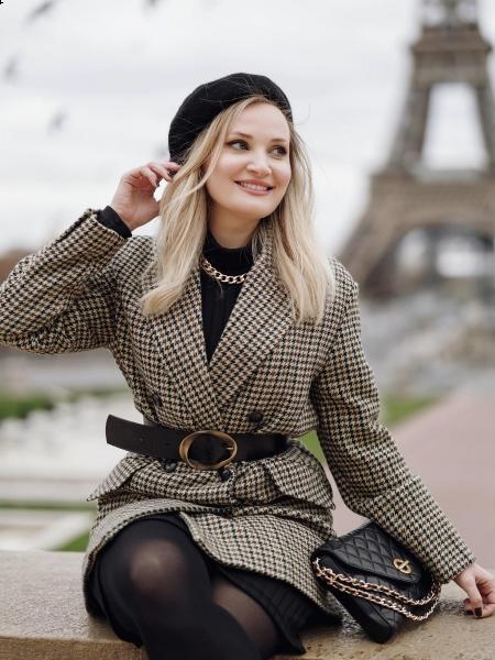 Elena (Paris) / Réf. 92194 / Adhérente Agence Amélie