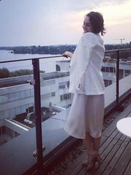 Julia (Allemagne) / Réf. 92400 / Adhérente Agence Amélie