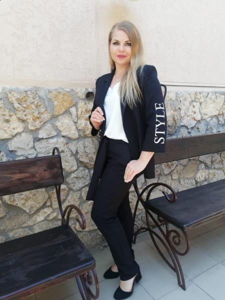 Irina / Réf. 340 / Adhérente Agence Amélie