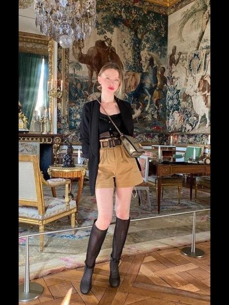 Anna (Paris) / Réf. 92455 / Adhérente Agence Amélie