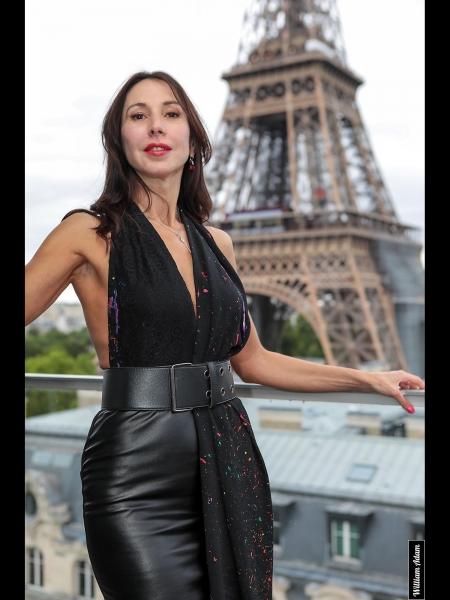 Angela (Paris) / Réf. 9206 / Adhérente Agence Amélie