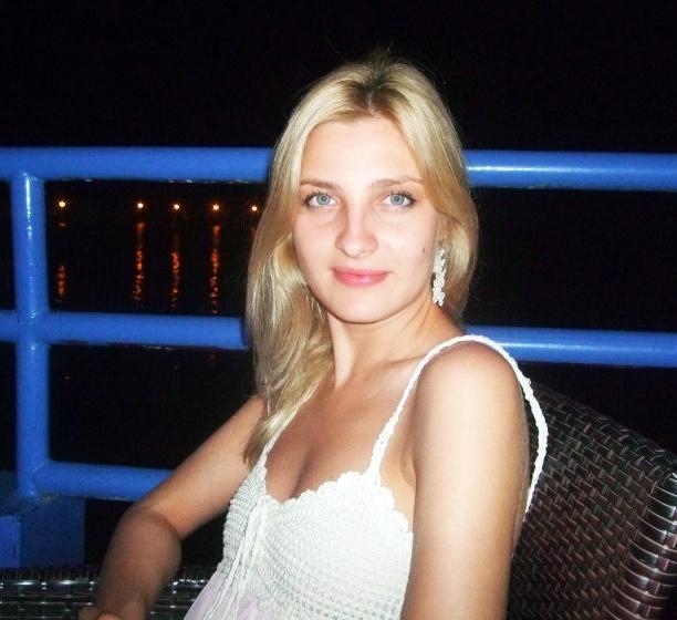 Photo de Anastasia / Réf. 651 / Agence Amélie