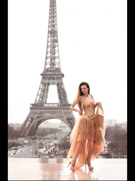 Olga (Paris) / Réf. 9397 / Adhérente Agence Amélie