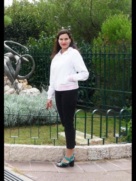 Yulia / Réf. 9522 / Adhérente Agence Amélie