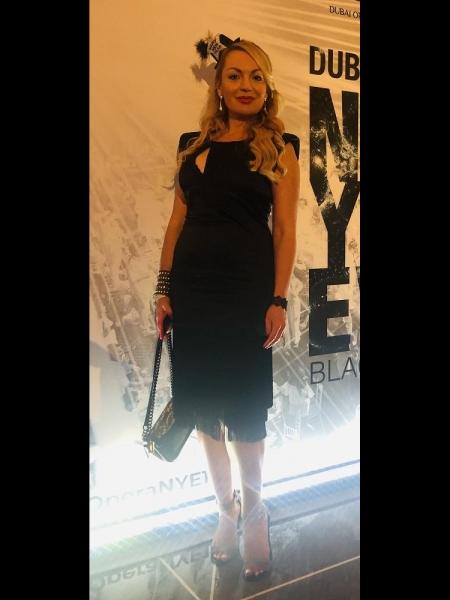 Elena / Réf. 9723 / Adhérente Agence Amélie