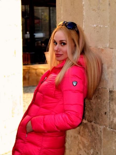 Tatiana / Réf. 9868 / Adhérente Agence Amélie
