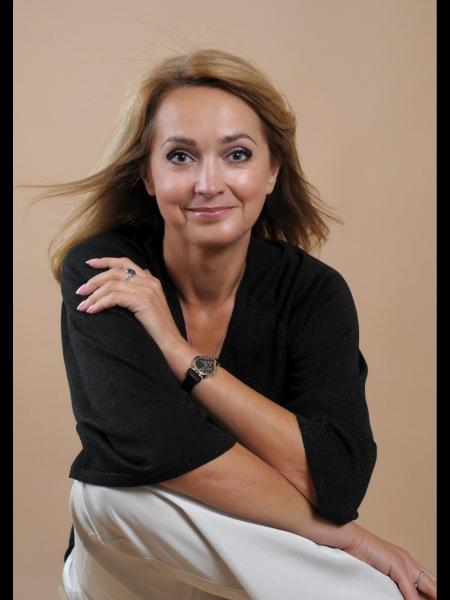 Natalia / Réf. 3765 / Adhérente Agence Amélie