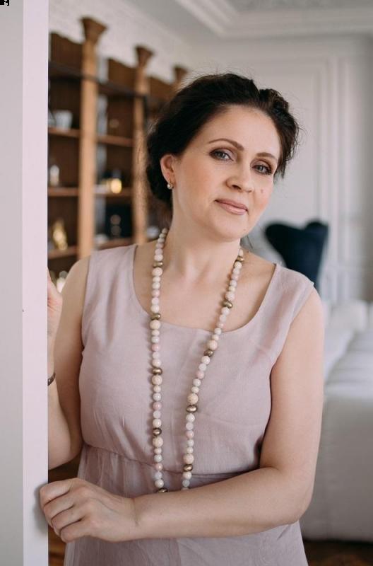 Photo de Tatiana / Réf. 9964 / Agence Amélie